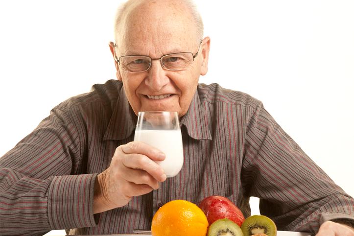 Cuide de seu pai! Osteoporose atinge cada vez mais homens