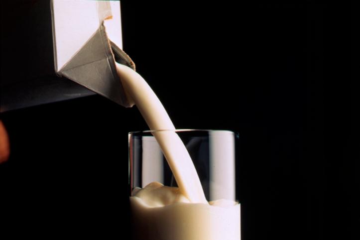 Comece o dia com um copo de leite