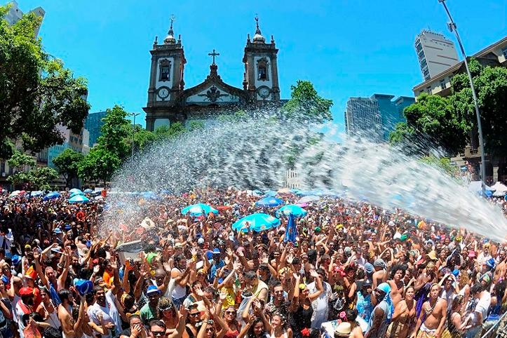 Dicas para se manter hidratado e passar bem neste Carnaval