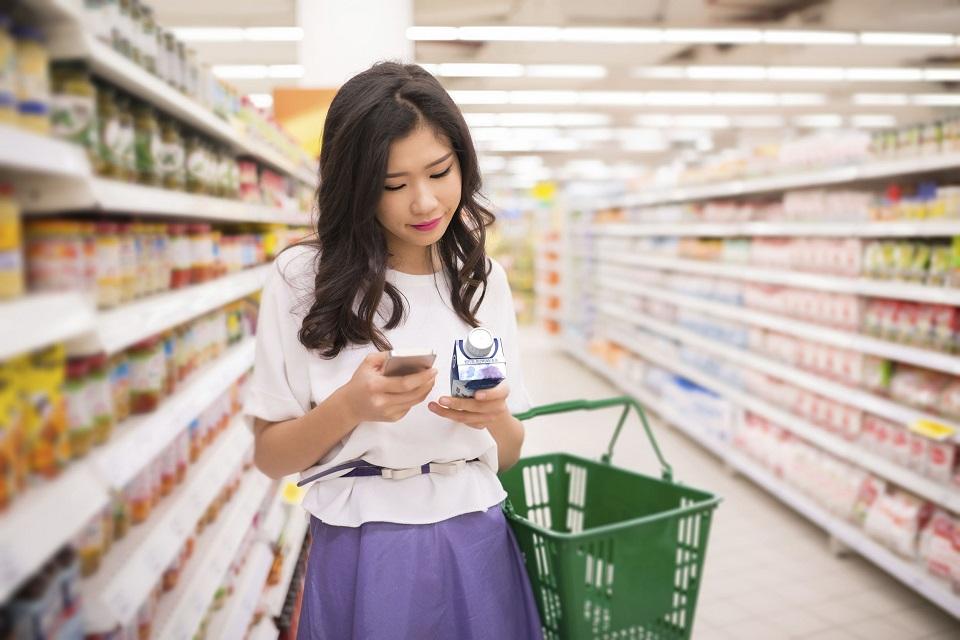 É #fake: barrinhas coloridas em embalagens de alimentos